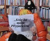 """Biblioteka w Pruszczu zaprasza dzieci i młodzież do konkursu fotograficznego """"Książka moim przyjacielem"""""""