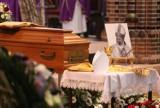 Pogrzeb biskupa Gerarda Kusza w gliwickiej katedrze. Kardynał Nycz: Biskup Gerard był katechetą z ducha