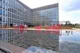 Face2Face Business Campus w Katowicach gotowy. Przed kompleksem biurowym znajdziemy wyjątkowe patio