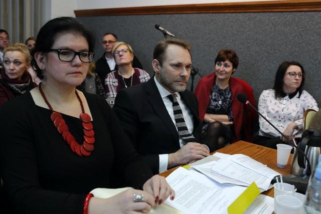 Nowa sieć szkół w Piotrkowie - radni przyjęli projekt podczas dzisiejszej sesji