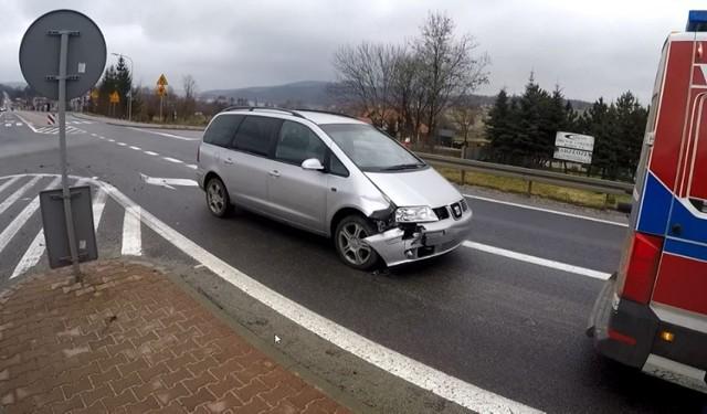 Zderzenie forda i seata na dk 28