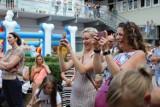 Mieszkańcy powitali lato z Klubem Kwadrat. Było głośno i kolorowo [ZDJĘCIA]