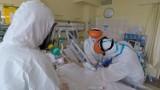 Koronawirus. Poniedziałkowy raport Ministerstwa Zdrowia: ponad 2,5 tys. nowych przypadków, zmarły 144 osoby