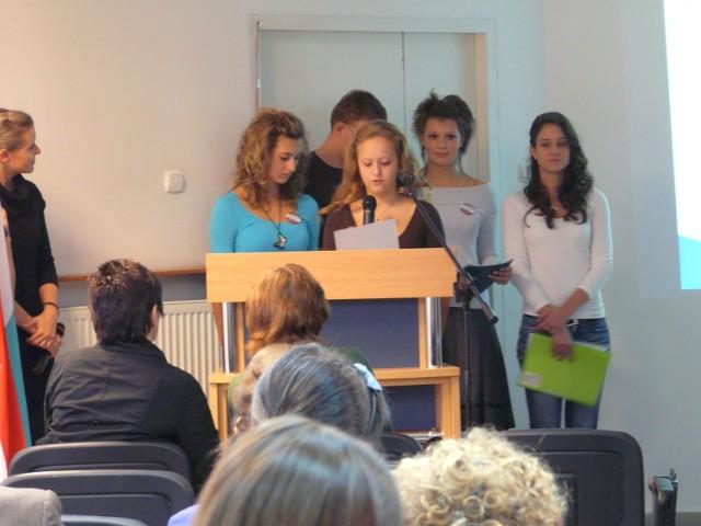 Samorządowe projekty jako pierwsi prezentowali uczniowie z Węgier