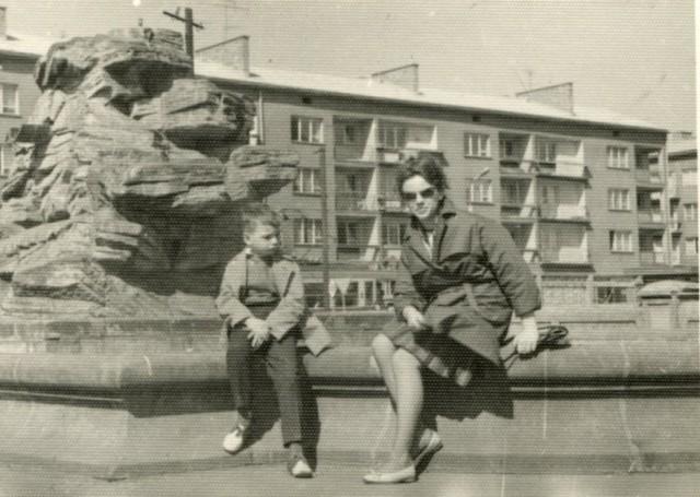 Stare zdjęcia Gorzowa z rodzinnych albumów naszych Czytelników. Rozpoznasz wszystkie miejsca i budynki?