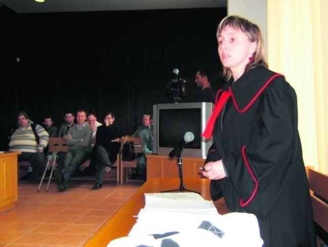 Cecylia Majchrzak po 4 latach od skierowania sprawy do sądu, może odczytać akt oskarżenia