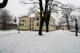 Park Habsburgów w Żywcu zimą. Warto wybrać się tutaj na spacer, Burmistrz zaprasza