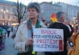 Kraków. Wyrazili na Rynku Głównym poparcie dla nauczycieli