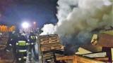 Pożar byłego ośrodka wczasowego w nadmorskim Jarosławcu ZDJĘCIA