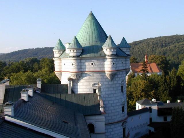 Zespół Zamkowo-Parkowy w Krasiczynie. Jeden z najpiękniejszych skarbów architektury renesansowo-manierystycznej w Europie.