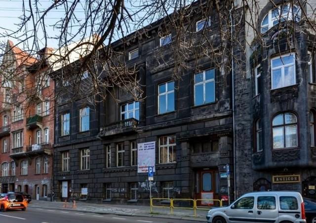 Renowacja Młodzieżowego Domu Kultury w Bytomiu trwa. Zobacz kolejne zdjęcia >>>