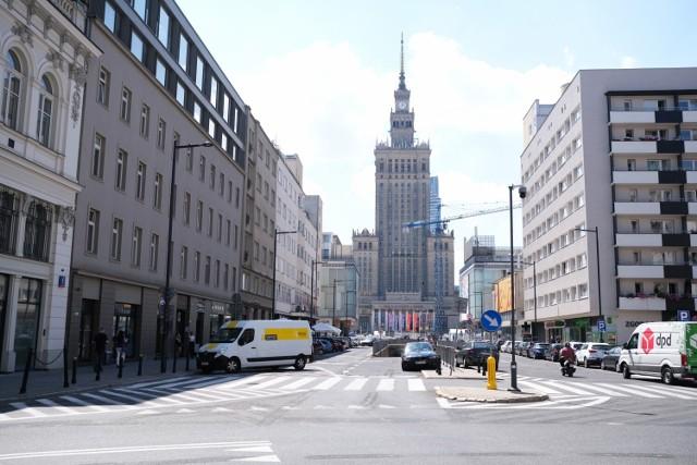 Obecny wygląd ulicy Złotej z perspektywą na Pałac Kultury i Nauki. Tunel pod Marszałkowską miałby zostać zlikwidowany.