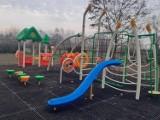 Nowy plac zabaw na osiedlu Piekary A w Legnicy