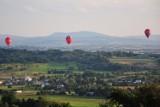 Balony stworzyły niesamowite widowisko nad Krosnem i okolicą. Piloci rywalizowali w Górskich Zawodach Balonowych [ZDJĘCIA]
