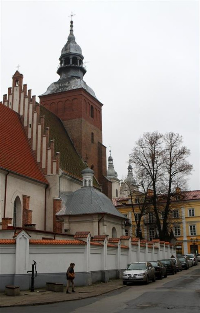 Podczas budowy szopki w kościele pw. św. Jakuba odnaleziono zabytkowe, barokowe umbraculum, zasłonę stawianą przed tabernakulum.
