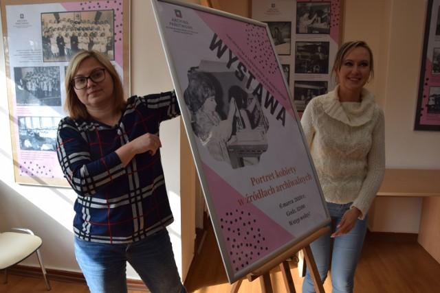 Katarzyna Lisiecka (z lewej) i Monika Głuszak z AP Szczecinek zapraszają na wystawę