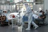 W szpitalach w Małopolsce w ciągu niespełna miesiąca liczba pacjentów wymagających hospitalizacji wzrosła o około 180 proc.!