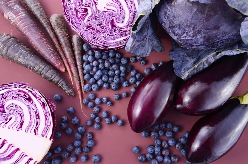 Antocyjany to barwniki obecne w produktach purpurowych,...