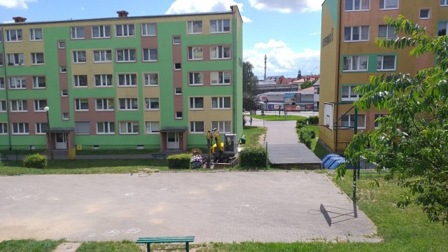 Teren w Chełmnie na osiedlu Kopernika między blokiem 8 a 9 został uporządkowany