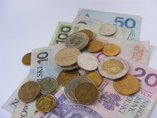 W Białej Podlaskiej pracownica ukradła ze sklepu pieniądze i zgłosiła policji, że doszło do włamania