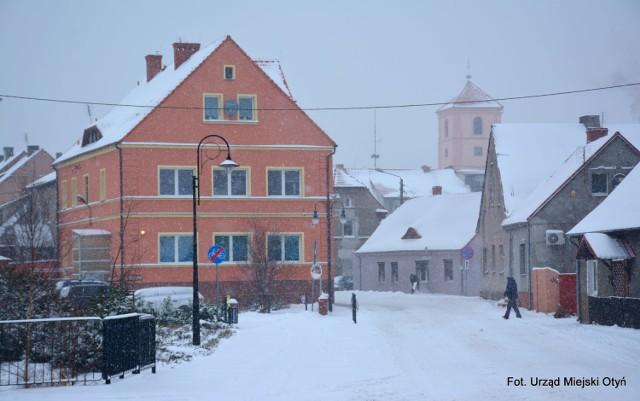 Taka zima to była w 2012/2013 albo 2007/2008 - wspominają mieszkańcy.