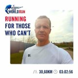 Pracownik Aresztu Śledczego w Suwałkach wziął udział w charytatywnym biegu Wings for Life World Run.