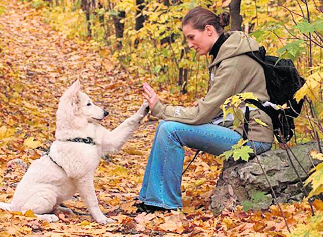 Kasia i Luna prowadzą Akademię Dobrych Manier Biały Pies