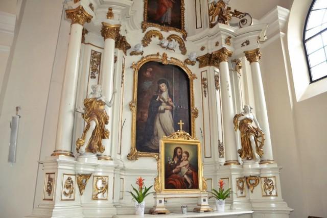 Ołtarz pw. św. Katarzyny w bazylice oo. dominikanów w Lublinie  Przed podjęciem prac konserwatorskich