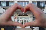 Wypadki przy pracy w Kujawsko-Pomorskiem. Pracownik szkoły w Gronowie z urazem mózgu