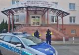 Do porodu taksówką przez Wałbrzych i w eksorcie policji. Kobiecie odeszły wody i zaczęła się akcja porodowa