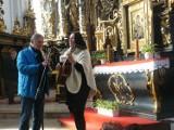 Sieraków. Dzień Papieski w kościele pw. Najświętszej Maryi Panny Niepokalanie Poczętej oraz koncert w Domu Katolickim