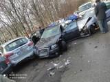 Zderzenie samochodów obok targowiska w Dąbrowie Górniczej. Uszkodzonych zostało aż pięć aut. Co się tam stało?