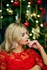 Co założyć na świąteczną kolację czy sylwestrowy wieczór? Rozalia Mancewicz w kolekcji Maral Trendy - Christmas Time