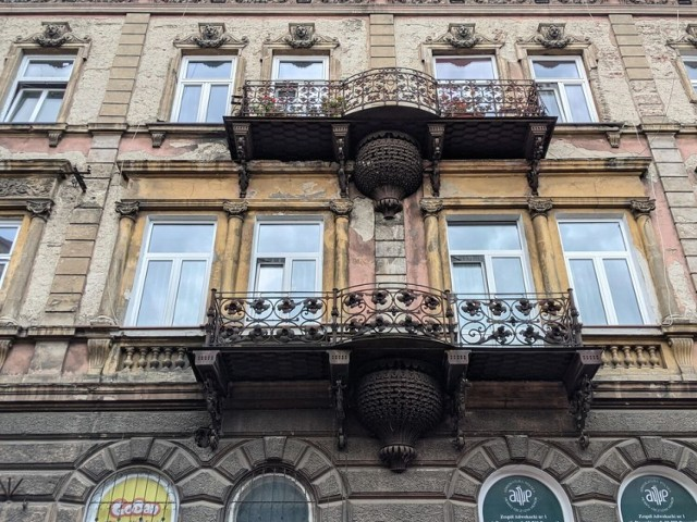 Reprezentacyjna kamienica przy ul. Dworskiego 9 w Przemyślu.