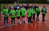 Puck: 3. turniej ligowy juniorów E1 rocznika 2010. Jesienią wygrywają młode Kaszuby Połchowo. Podium dla: UKS Zatoka 95 Puck i AP Jantarek