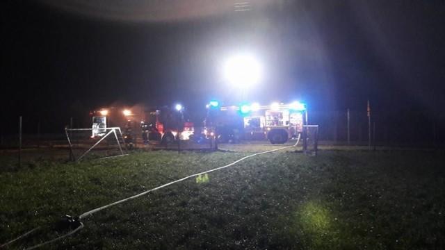 W czwartek, ok. g. 4.30 strażacy otrzymali zgłoszenie o pożarze, który wybuchł w Błotach (gmina Unisław).