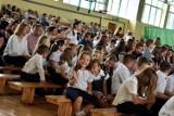 Do miejskich szkół wróciło 2051 uczniów, do średnich - 4400