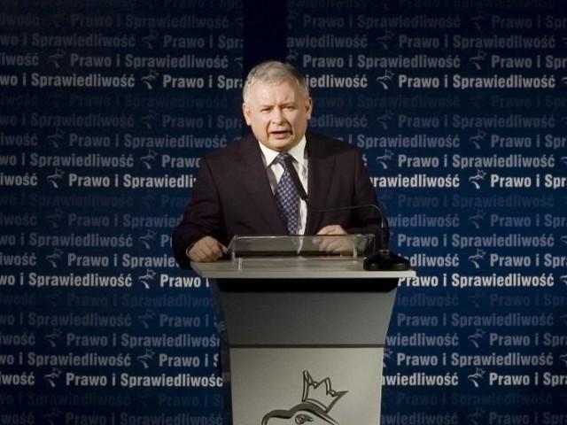 Jarosław Kaczyński w Kole. Zdjęcia autorstwa Kolanina http://commons.wikimedia.org/wiki/File:Jaros%C5%82aw_Kaczy%C5%84ski_w_Kole.jpg