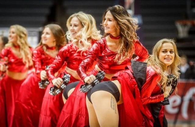 Dziś przygotowaliśmy dla Was galerię złożoną ze zdjęć najpiękniejszych polskich cheerleaderek. Jak wiadomo, najwięcej witaminy mają polskie dziewczyny. Zresztą, sami się przekonajcie!