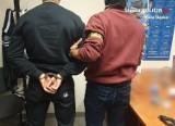Policjanci zatrzymali 18-letniego dilera, który sprzedawał narkotyki nieletnim