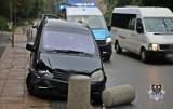Kompletnie pijany kierowca rozbił samochód na prostej drodze w Wałbrzychu! [ZDJĘCIA]