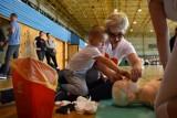 Pobili rekord w jednoczesnym udzielaniu pierwszej pomocy w Gubinie. Ponad 400 osób! (ZDJĘCIA)