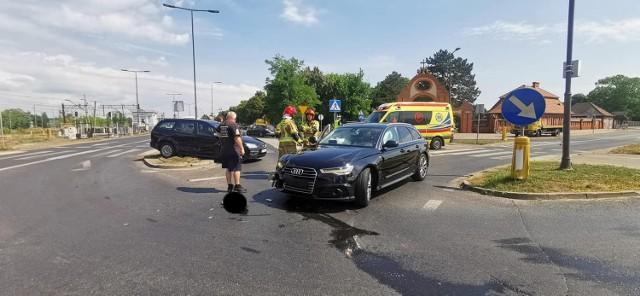 Do zdarzenia z udziałem dwóch samochodów osobowych przy ul. Artyleryjskiej/Zaświat doszło w środę, 28 lipca, przed południem.