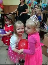 Gm. Ostroróg. Mamy z Dobrojewa zorganizowały balik przebierańców dla dzieci! [ZDJĘCIA]