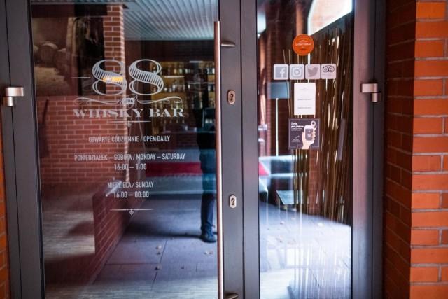 Do tragedii doszło w restauracji Whisky Bar 88 w poznańskim City Parku.
