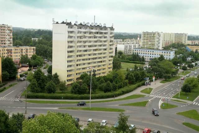 Czy ceny mieszkań z wielkiej płyty w Toruniu są o wiele niższe niż w budynkach z cegły? Sprawdź, gdzie najwięcej zapłacisz za mieszkanie z wielkiej płyty w Toruniu. Wszystkie oferty pochodzą z serwisu gratka.pl.  >>>>SZCZEGÓŁY NA KOLEJNYCH STRONACH
