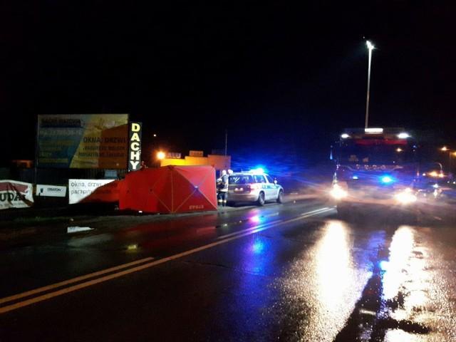 Tragiczny wypadek pod Warszawą. Samochód wjechał w ludzi po pasterce