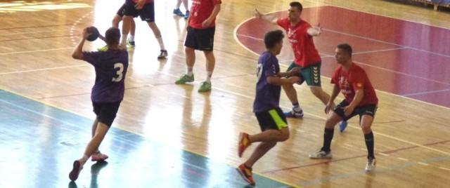 Dla Nikodema Śledzia grali też w Busku w sobotę  szczypiorniści Juvenii Rzeszów i Handball Gang.
