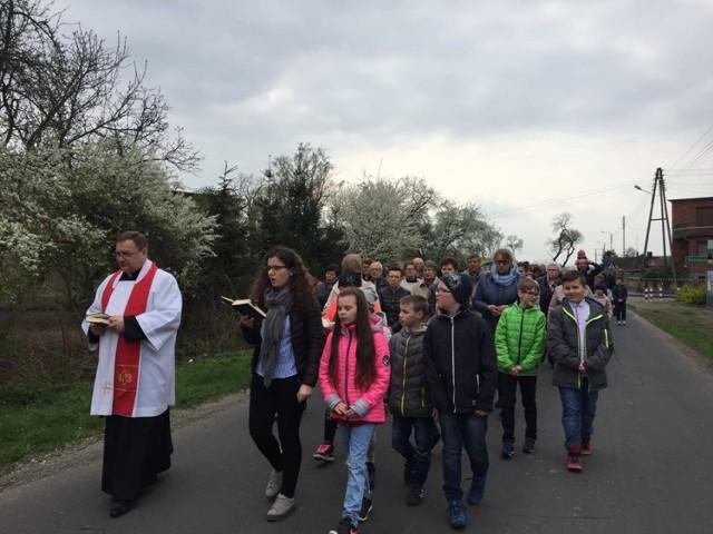 Droga Krzyżowa w Lenartowicach