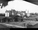Tak wyglądają zakłady karne w Kujawsko-Pomorskiem na archiwalnych zdjęciach. Na fotografiach więzienia, skazani, a nawet szubienica
